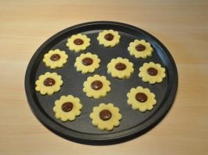 Biscotti a forma di fiore con la nutella