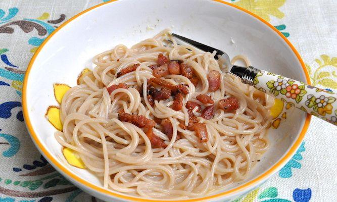 Spaghetti integrali alla carbonara