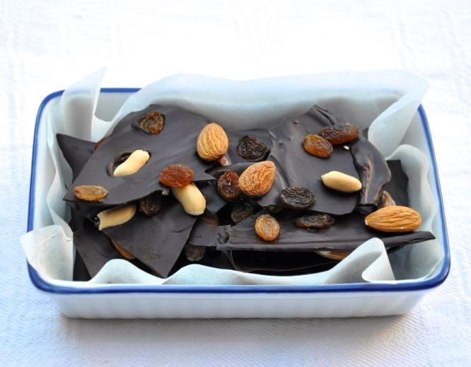 Cioccolato fondente alla frutta secca senza glutine