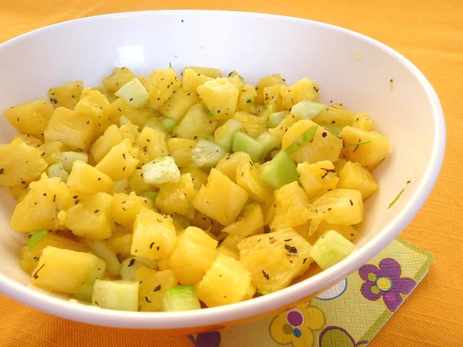 Contorno all'ananas