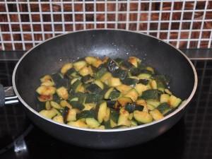 cous-cous-zucchine-tonno-preparazione
