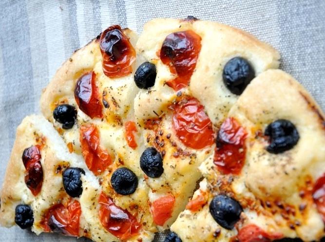 Rotolo di pizza ripieno senza glutine