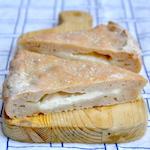 Focaccia senza glutine ripiena di stracchino