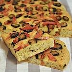Focaccia senza glutine zucchine e speck