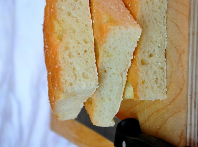 Focaccia genovese con lievito madre senza glutine