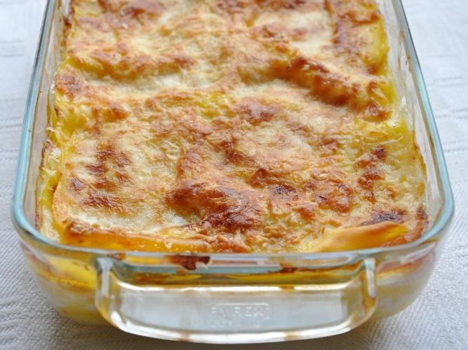 Lasagne bianche con cotto, besciamella e scamorza