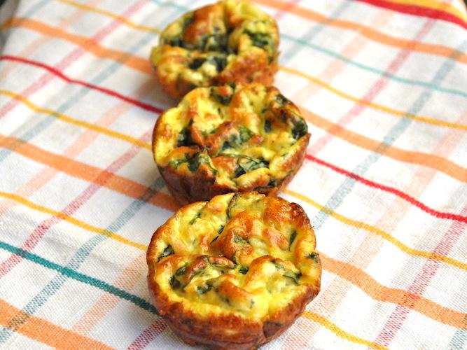 Muffins salati proteici uova e spinaci senza glutine e senza farina