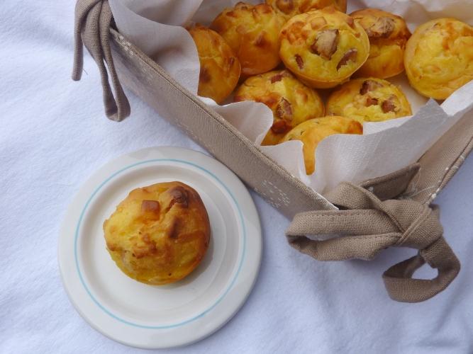 Muffins salati asiago e wurstel senza glutine