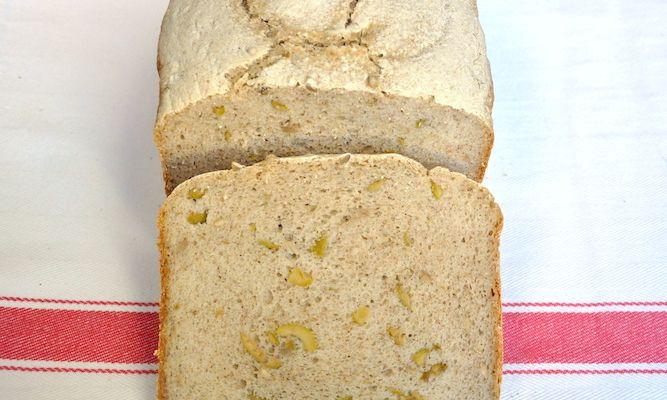 Pane integrale senza glutine con olive e semi di girasole