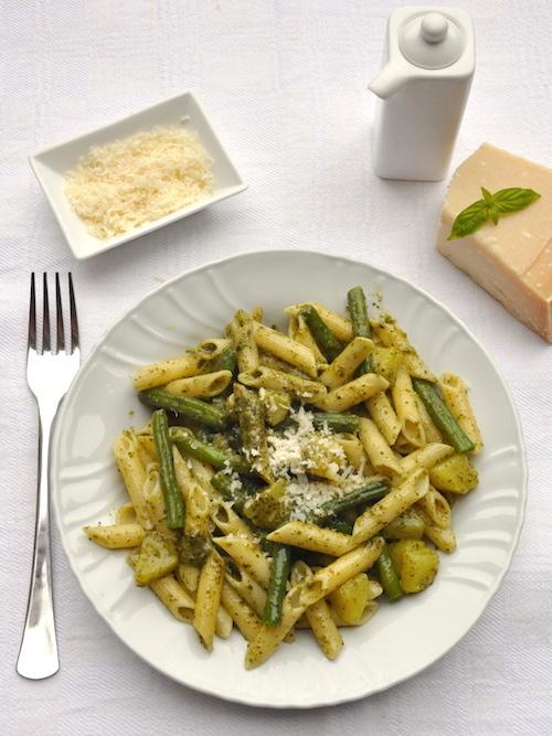 Pasta senza glutine al pesto, patate e fagiolini