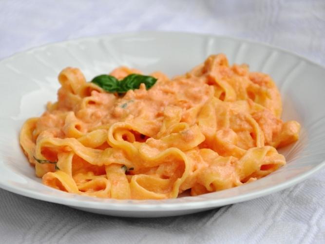 Pasta con la crema di peperoni