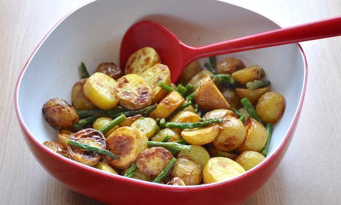 Patate novelle e asparagi al forno