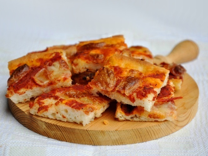 Pizza da aperitivo senza glutine