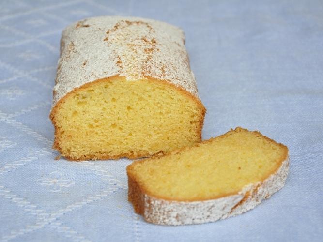 Plum cake morbido senza glutine