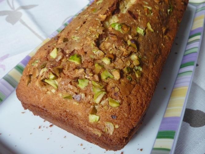 Plum cake al doppio cioccolato e pistacchi senza glutine