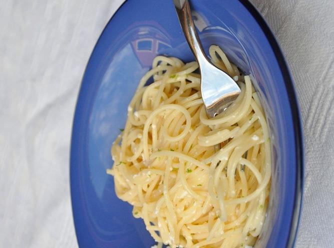 Spaghetti cacio, pepe e lime