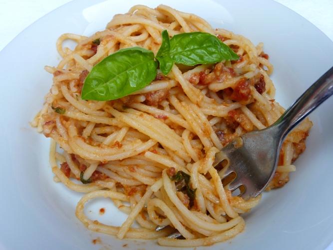 Spaghetti ai pomodori secchi e basilico senza glutine