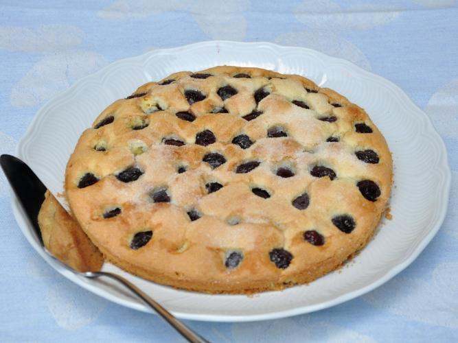 Torta senza lievito alle ciliegie